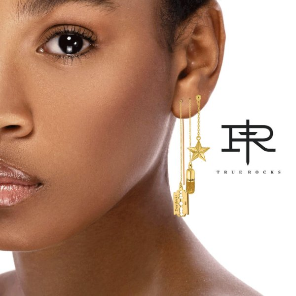 TR-Earrings-GlitterPill_pull_EAR